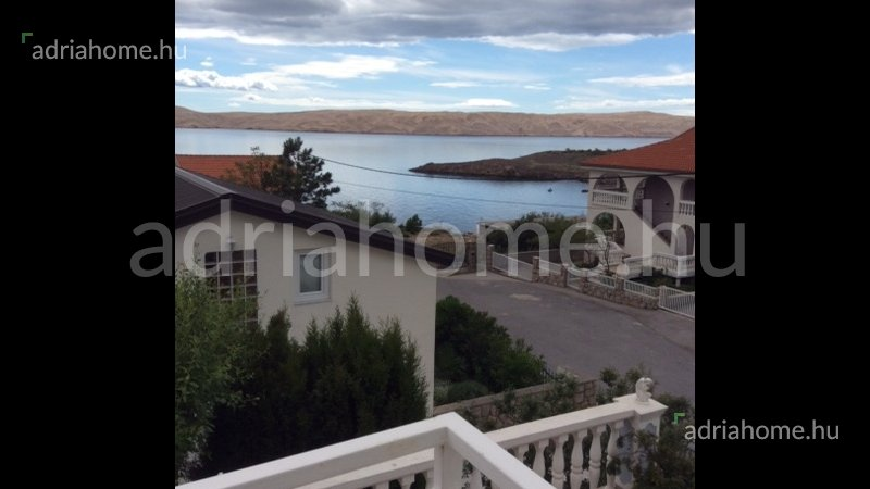Cesarica – Sale! Three-storey house with 4 apartments and sea-view