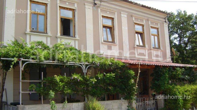 Grižane, Vinodol völgye – Akció! Szép családi ház zöld övezetben