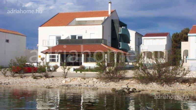 Murter - Étterem közvetlen a strandon
