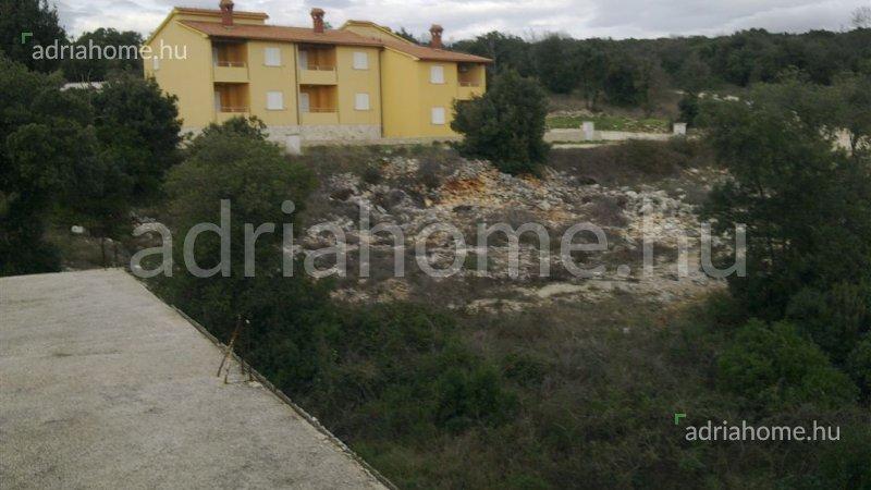 Duga Uvala – Három építési telek Pula közelében