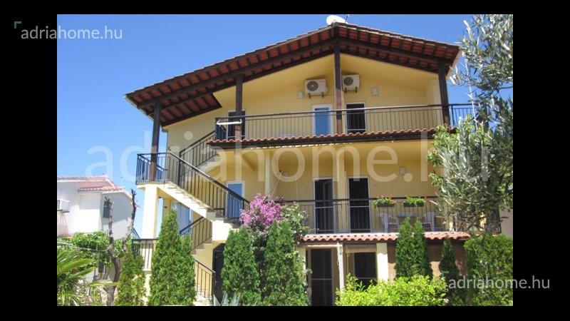 Sevid, Vinišće – 7 apartmanos ház közel a tengerhez