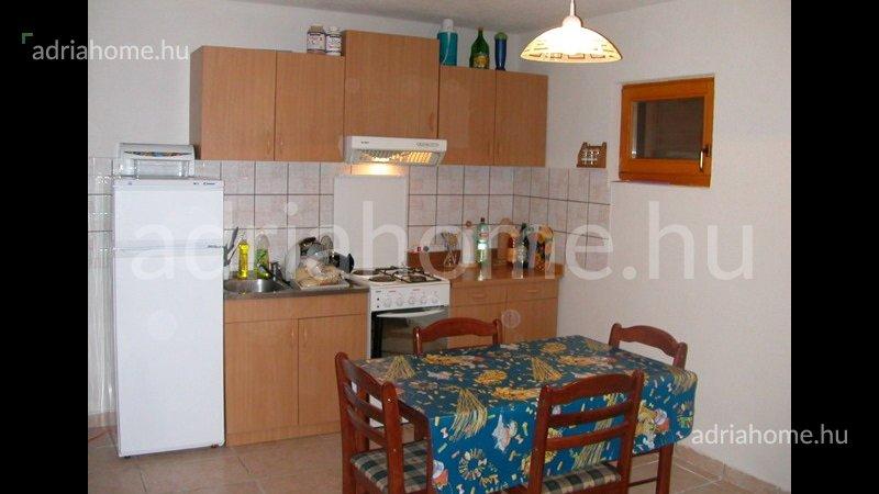 Sevid – Apartmanház közel a strandhoz