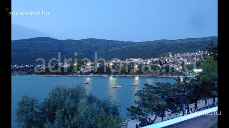 Karin – Apartmanház gyönyörű kilátással a Novigradi tengerre