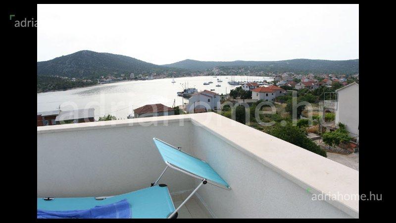 Vinišće - 3 apartmanos ház kilátással a tengerre