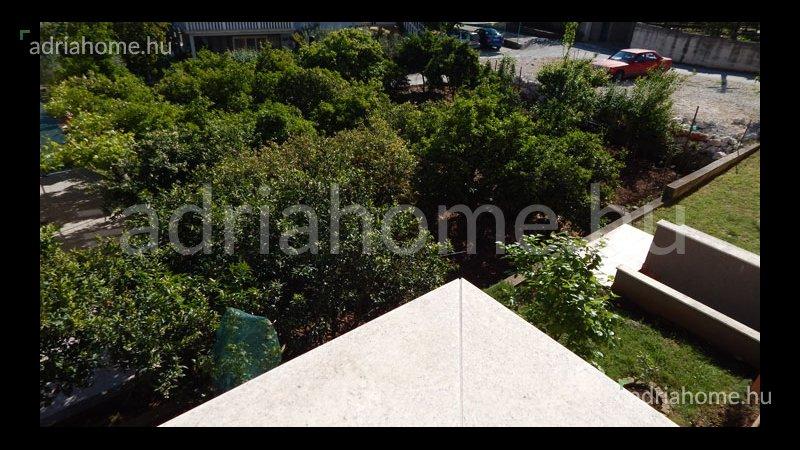Čiovo – Panorámás penthouse 30 méterre a homokos strandtól