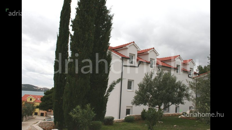 Trogir - Kéthálószobás apartmanok közel az óvároshoz