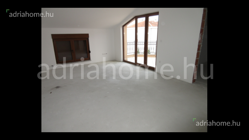 Crikvenica – Háromszobás lakás magas roh-bau
