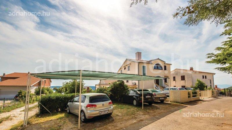 Jadranovo – Akció! Apartmanház elképesztő panorámával
