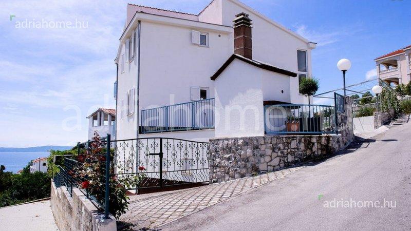 Čiovo – Gyönyörű, panorámás, négylakásos villa