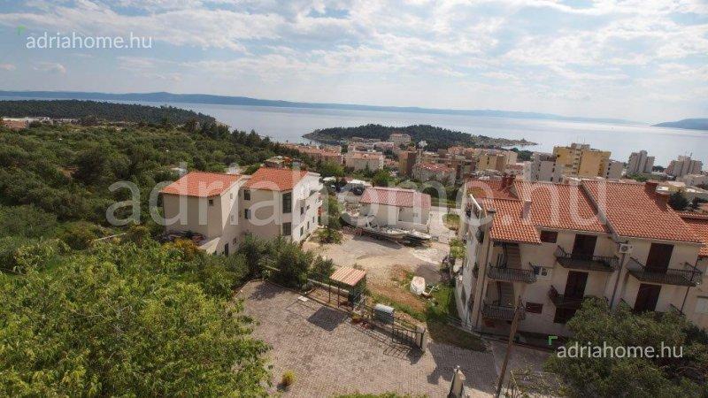 Makarska – Négyszintes luxusvilla közel a tengerhez