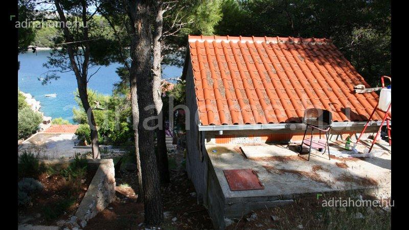Milna – Holiday house by the sea on Brač Island for adventurers
