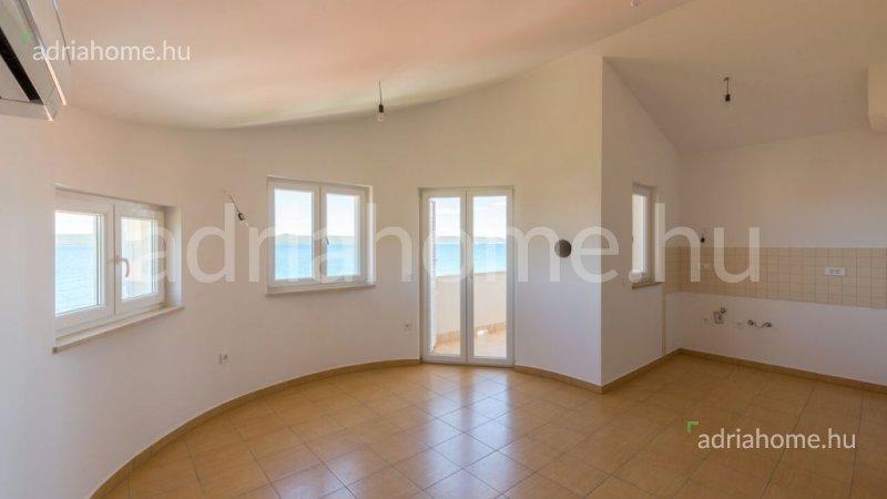 Pašman - Újonnan épült apartmanok közvetlen a tengerparton