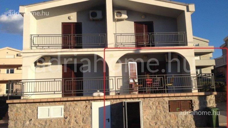 Nova Cesarica – Apartman u prizemlju sa pogledom na more