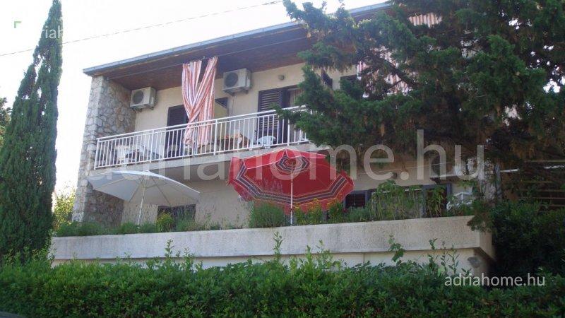 Klenovica – Családi ház második sorban a tengertől