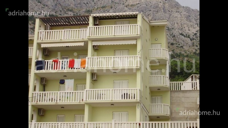 Omiš – – Bargain! Two storey panoramic apartment