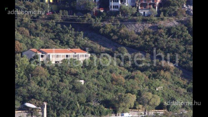Zakosa – Árcsökkentés! Panorámás családi ház Senj közelében