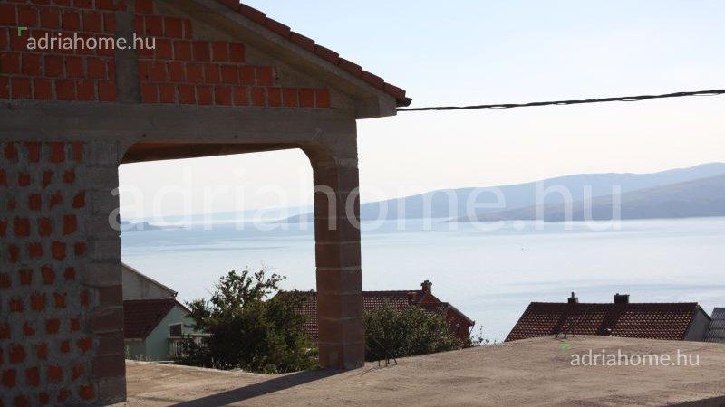 Senj – Önálló, félkész családi ház Trbušnjakon
