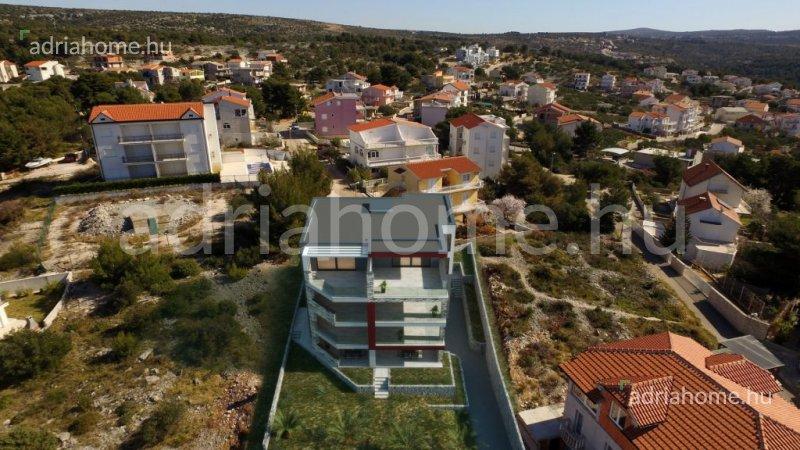 Primošten – Most épülő, különböző méretű, panorámás apartmanok
