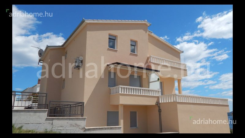Trogir - Newly built apartments 50 meters from te sea