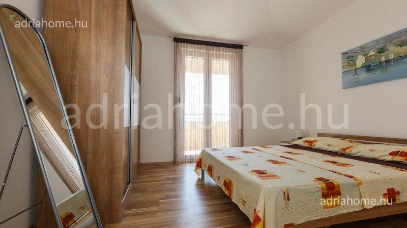 Čiovo – Két bútorozott, 3-szobás luxusapartman
