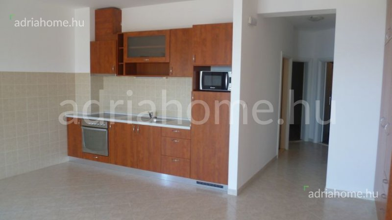 Čiovo – Kétszobás apartman második sorban a tengertől