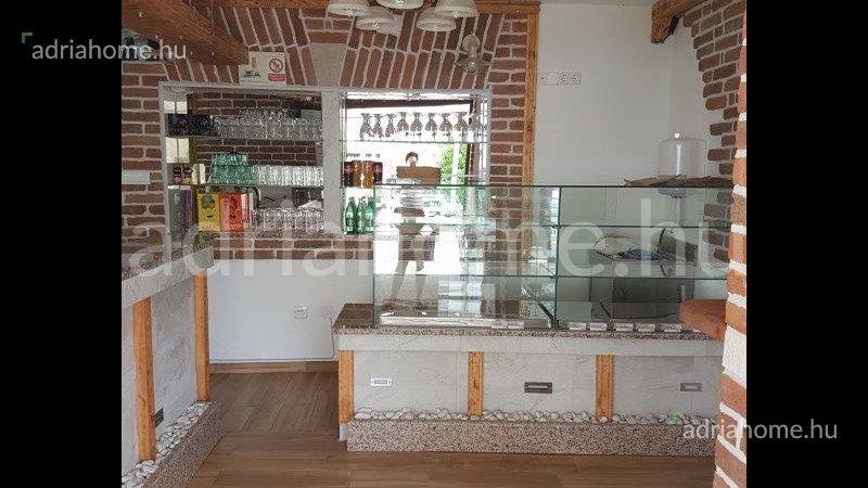 Novi Vinodolski – Caffe bar in the heart of the settlement