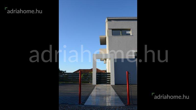 Orebić - Gyönyörű, panorámás apartmanház igényeseknek