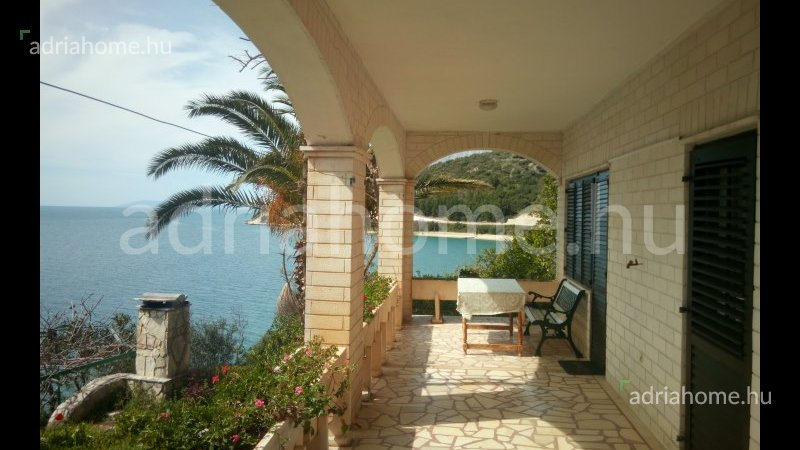 Makarska Riviera – Villa with apartments on beautiful location with private beach