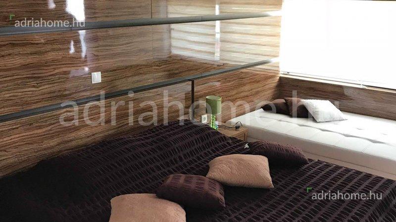 Čiovo - Luxusvilla medencével