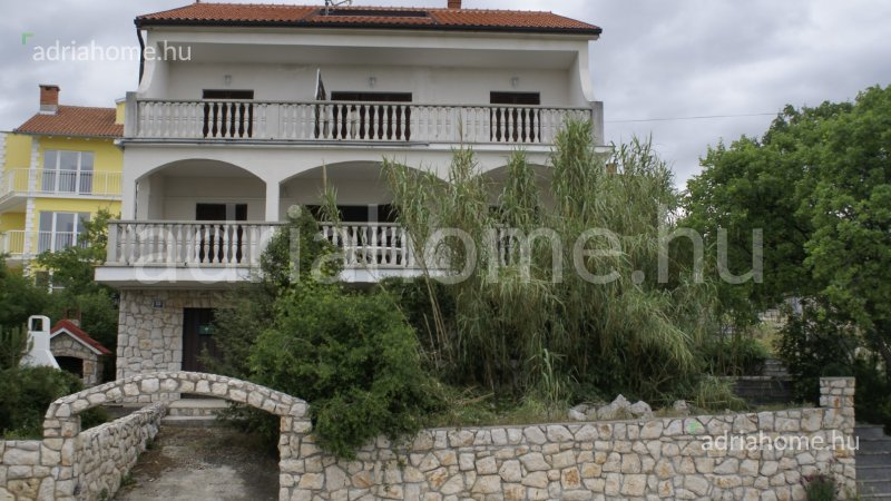 Novi Vinodolski - Apartmanház gyönyörű panorámával a tengerre