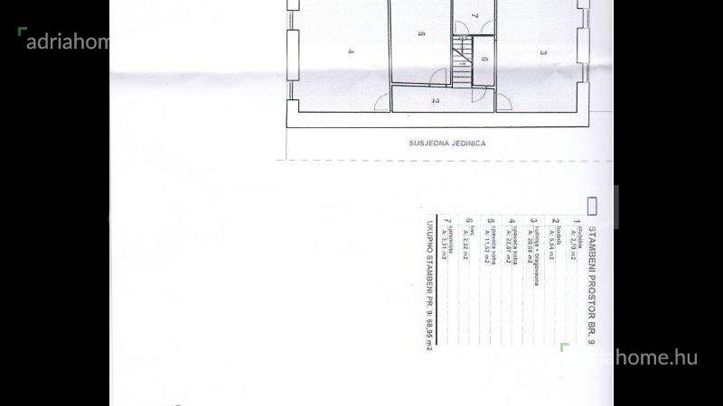 Rab – Háromszintes, felújítandó lakás az óvárosban