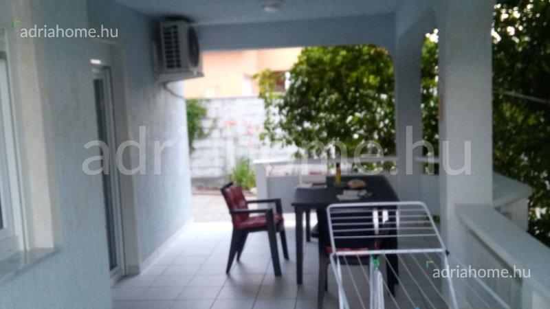 Vir - Kétszintes családi ház két apartmannal