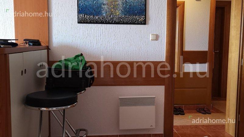 Dramalj – Akció!Igényesen berendezett apartman két fürdőszobával