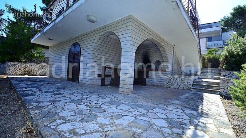 Rogoznica – Családi ház második sorban a tengertől