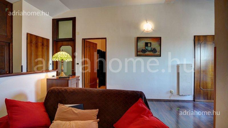Rovinj – Kétszobás lakás tárolóval