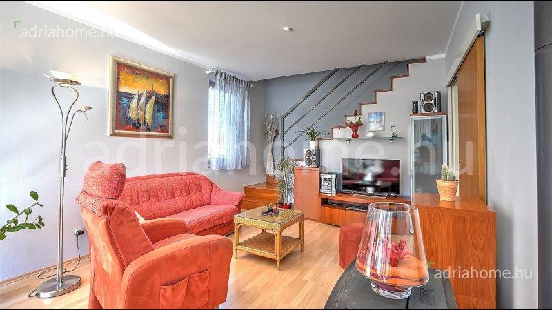 Rovinj – Kétszintes, világos lakás