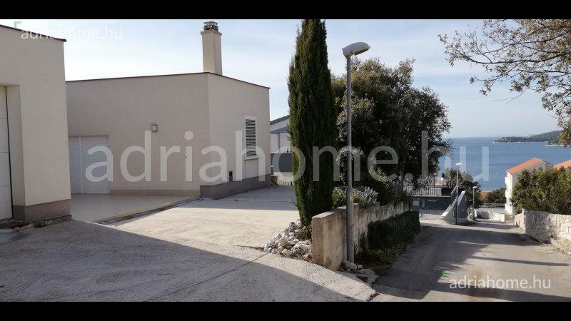 Rogoznica – Modern, panorámás földszinti ház