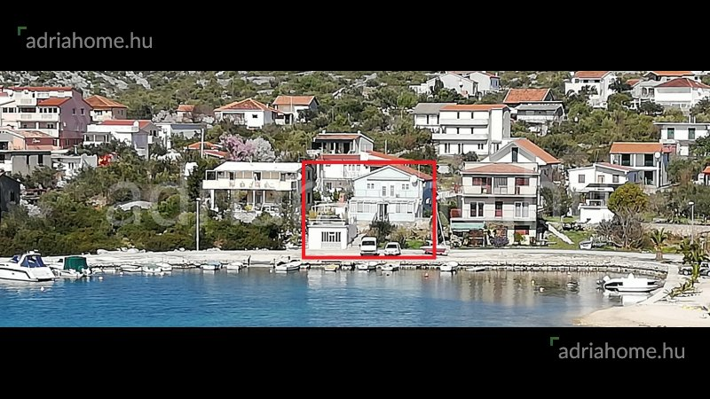 Rogoznica – Sale! House in first row to the sea