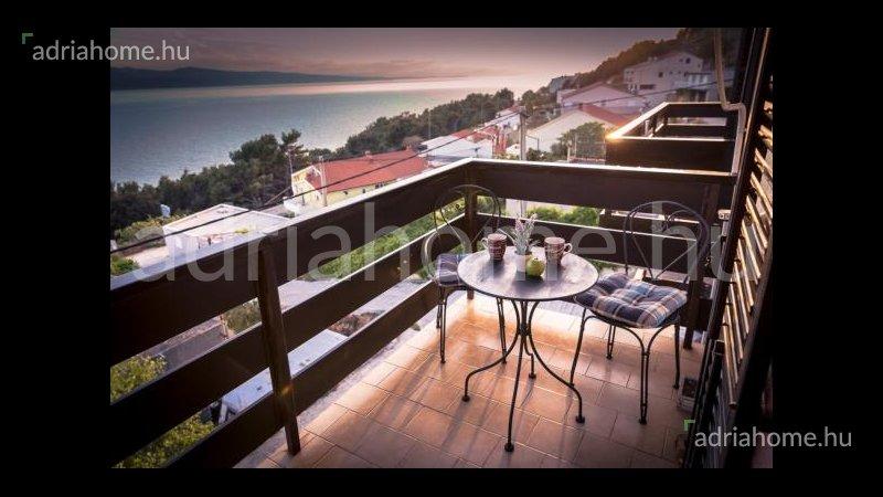 Omiš – Alkalmi vétel! Három apartman kilátással a tengerre