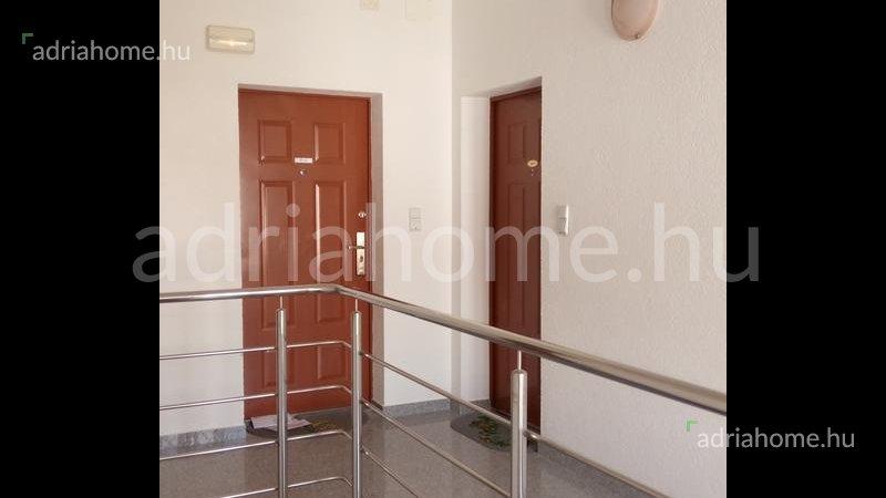 Čiovo – Tetőtéri apartman 2 erkéllyel