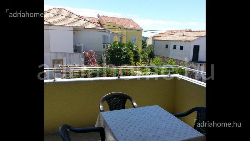Tribunj – Három új, bútorozott apartman csendes környezetben