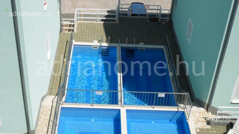 Čiovo - Panorámás apartmanok medencével