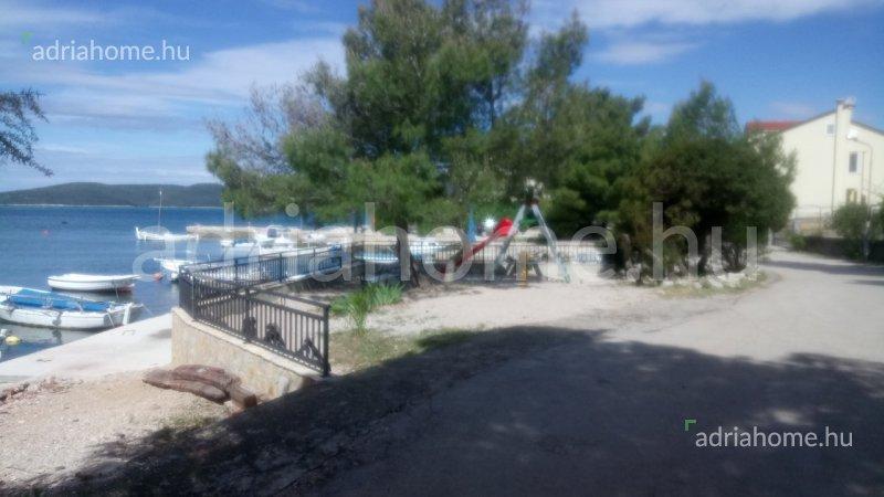 Šibenik Riviéra – Projekt vile u prvom redu sa bazenom