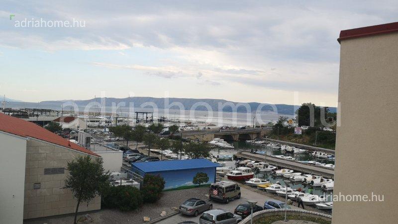 Novi Vinodolski – Lijepa garsonijera s pogledom na more