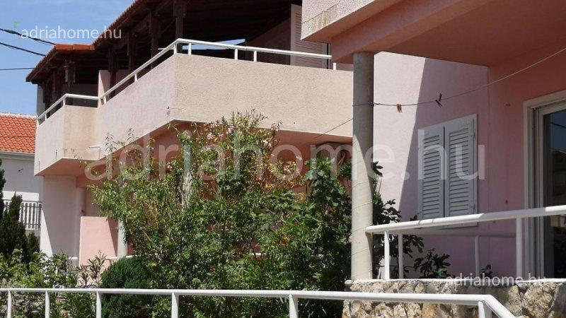 Ribarica - Kéthálószobás apartmanok egy társasházban
