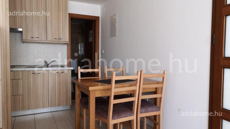 Crikvenica - Három földszinti garzonlakás egy társasház földszintjén