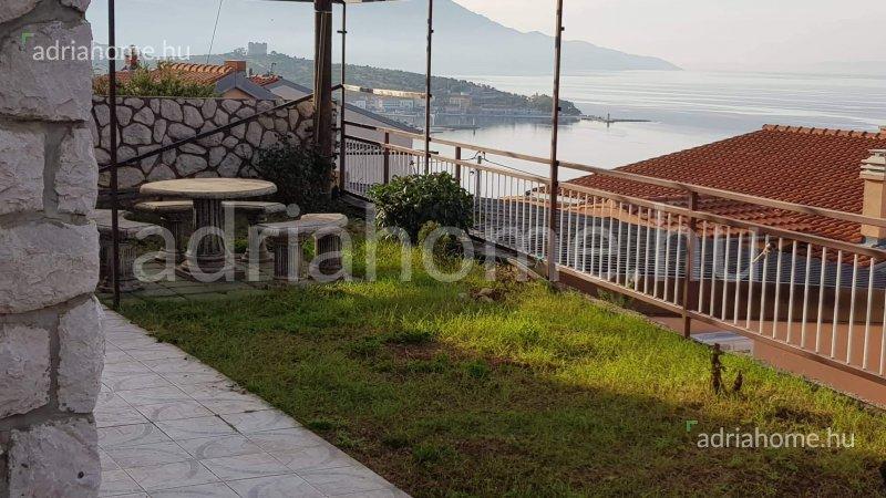 Senj – Apartman u prizemlju s pogledom na more