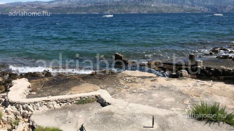 Supetar – Kiváló elsősoros villa medencével