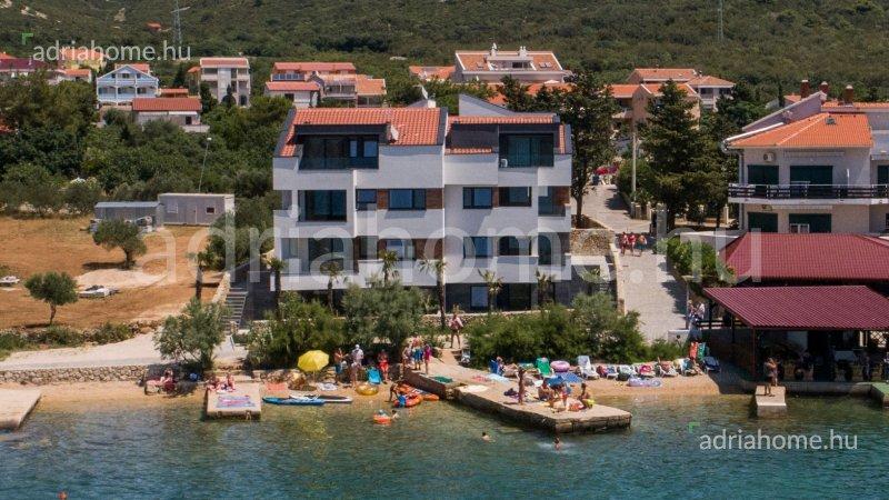 Stara Novalja - Apartmanok exkluzív helyen, 1. sorban a tengertől