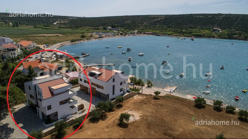 Stara Novalja - Apartments in an exclusive location, 2. row from the sea